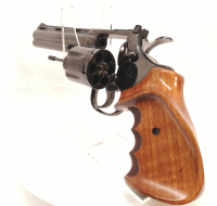 """Revolver Colt - Python - Note 1  - sport-match Visierung, 6"""" Lauf, ergonomischer Holzgriff mit Fingermulden und Punzierung Rechtsgriff, getunter Abzug (ohne Vorweg) leichter Druckpunkt,"""